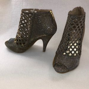 🏆Peep Toe Metallic Lattice Cutout Heels Size 10